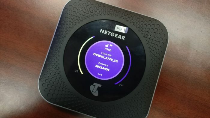 netgear_nighthawk_m1_mobile_hotspot_router_hk_04